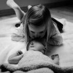 séance-photo-bébé-avec-sa-soeur-rennes
