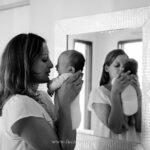 séance-photo-chantepie-nouveau-né-maman-miroir