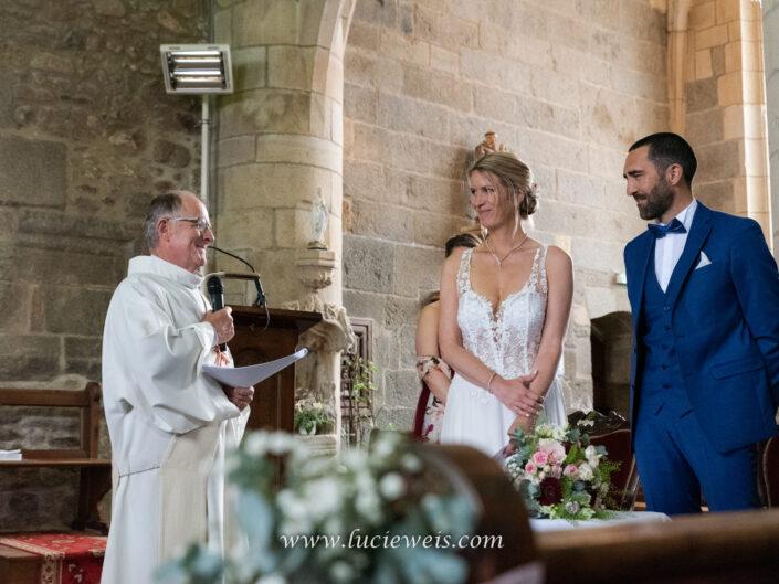 séance-photo-détail-mariage-église-rennes-lucie-weis-photographe