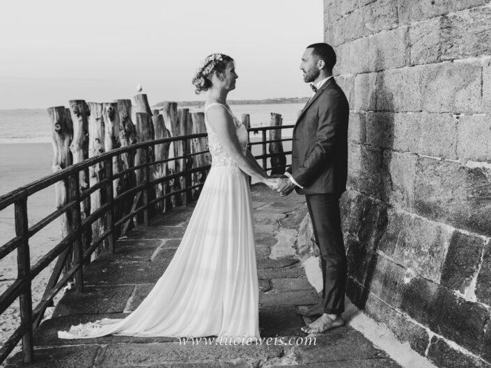 séance-photo-mariage-sur-les-remparts-de-saint-malo